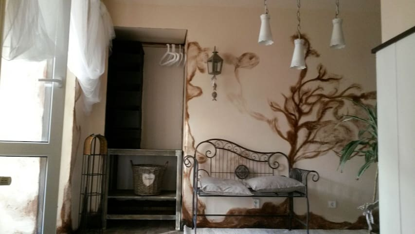 Cosy flat, close to Prague 25min - Chynava