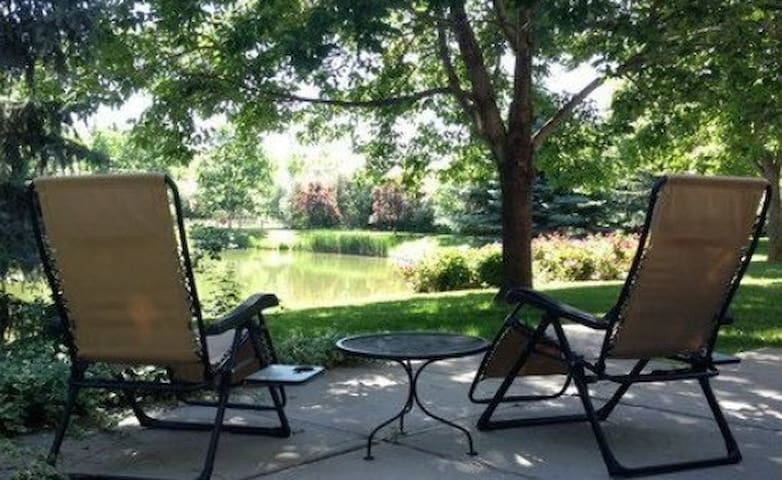 Quiet, clean, spacious private bedroom.  4 - Fort Collins - Talo
