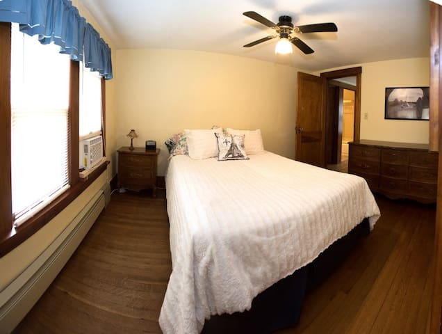 Side Bedroom with Queen Size Bed and window AC.