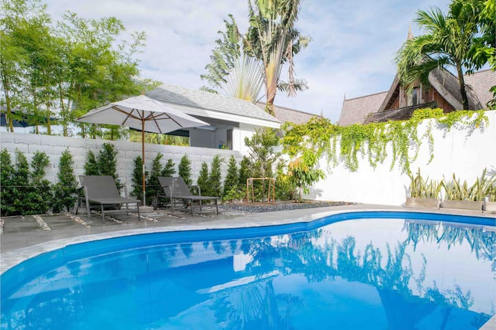 Phuket Cosy 3BR pool villa - 3 mins walk to beach