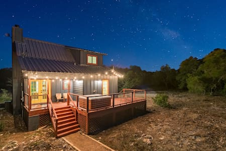 Adorable Cabin on 10 Private Acres With a Hot Tub