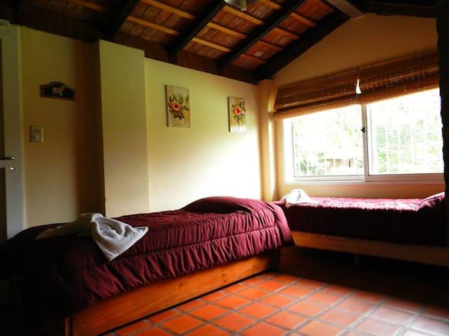 Cabañas Costa del Rio ,Villa Icho Cruz , Córdoba