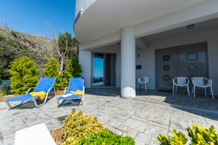 Villa Irida in Damnoni Village - Damnoni beach - House