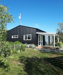 Olive Grove Studio 3 mins from Martinborough