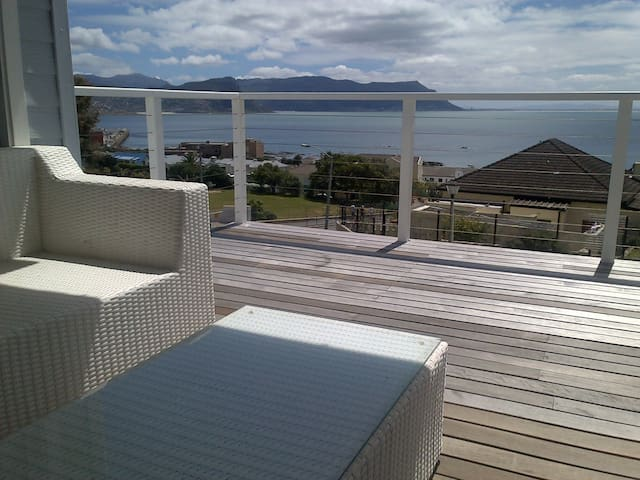 Beautiful home, fantastic sea views - Cape Town - House