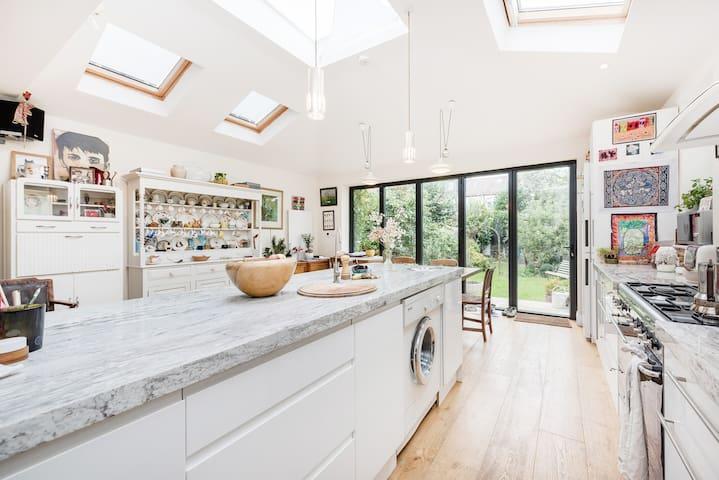Comfortable & stylish house & gdn - London - House