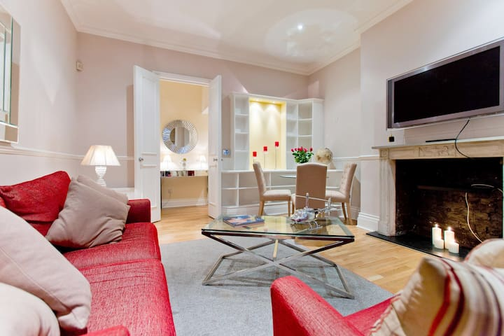E) Flat 1, 19 Draycott Avenue  London  SW3 3BS