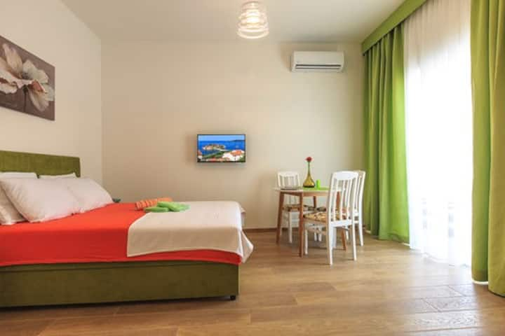 Central Studio with terrace free parking WiFi2