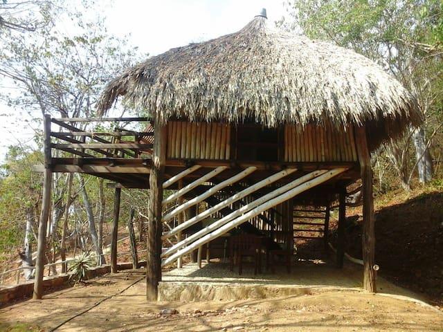 Pilar-cabaña de madera en Macondo-Mazunte - Mazunte - House
