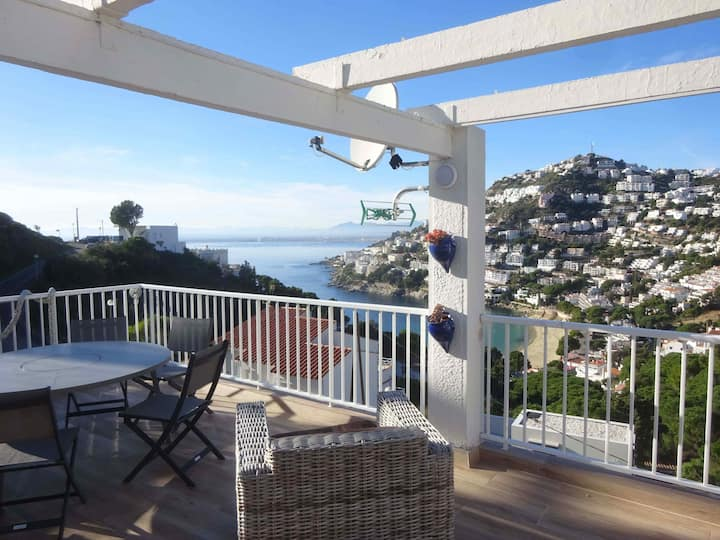 Apartment for rent with sea views in Canyelles Roses-MIMB2