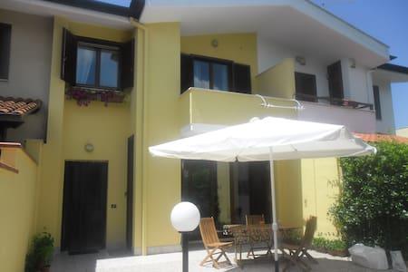 Camera doppia in villa - Sabaudia - Villa