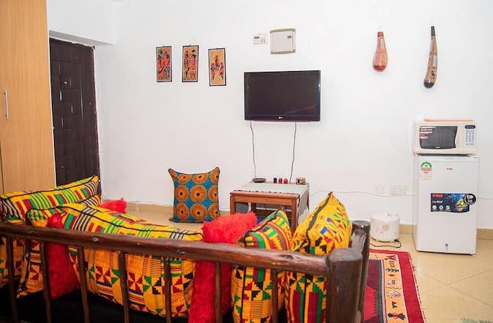 African themed studio apt next to 2rivers & Gigiri