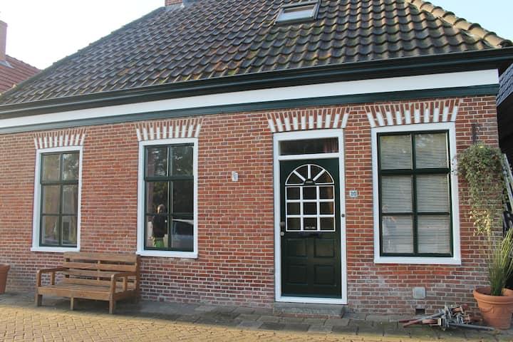 Authentiek sfeervol huis met privé sauna Groningen