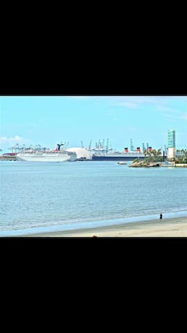 Cozy Ocean View Condo!! - Long Beach - Condominium