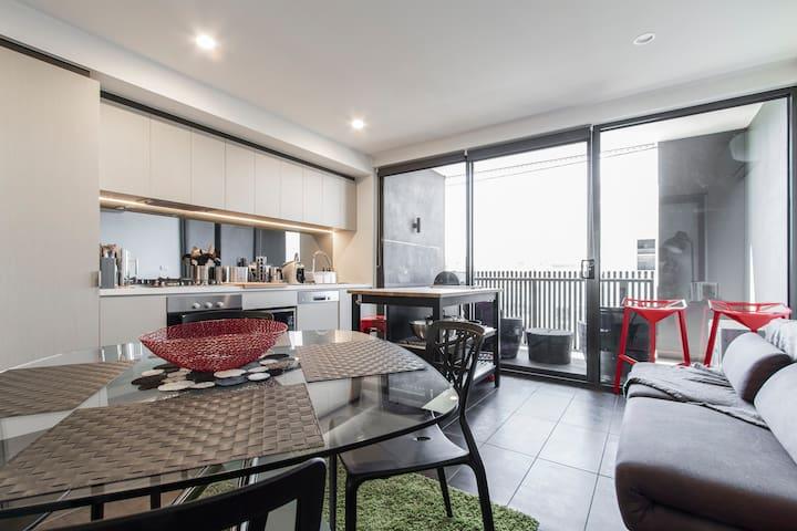 Trendy Apartment along Brunswick Street - Fitzroy North - Flat