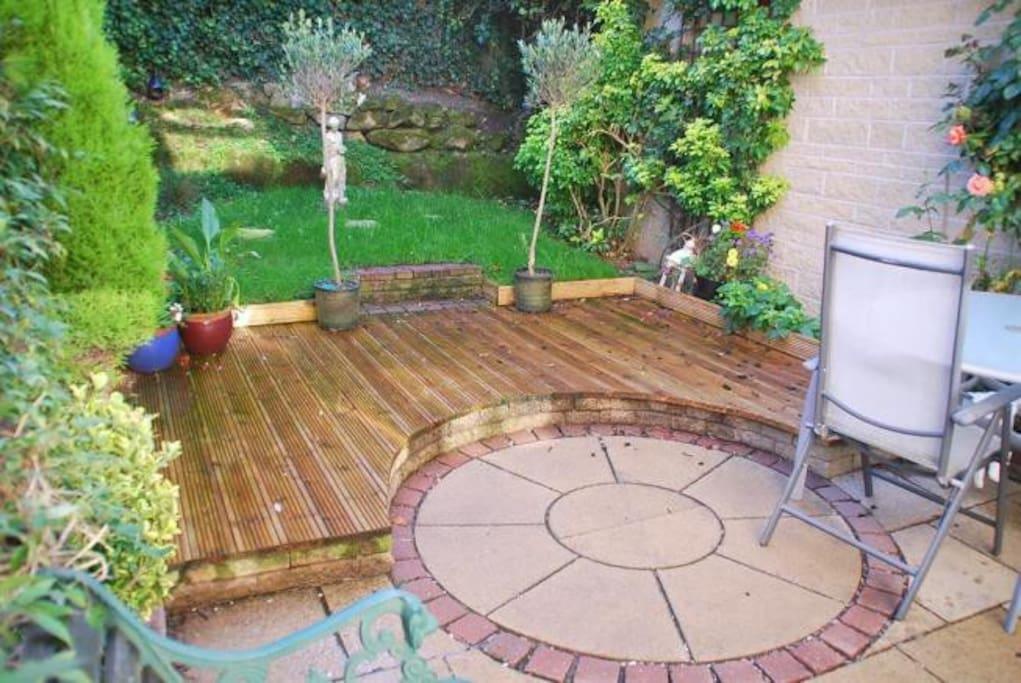 Lovely private sunny garden