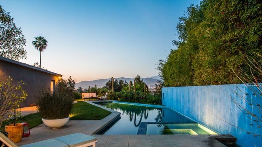 Modern Oasis w Pool & Views in Heart of Silverlake - Los Angeles - Hus