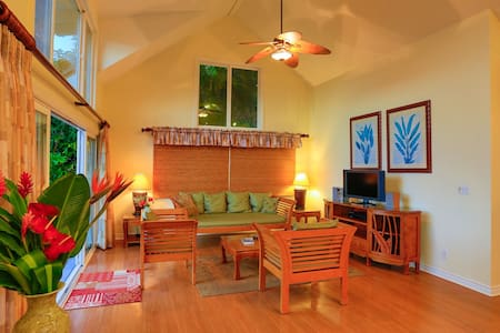 Beachfront Villa on the North Shore - Haleiwa