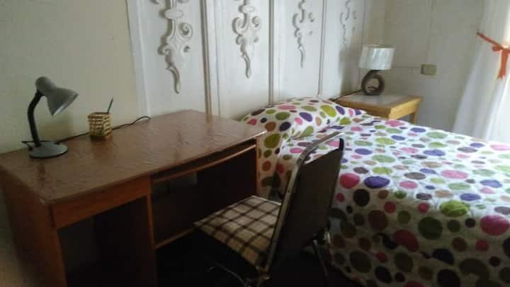 habitación amueblada en zona centro