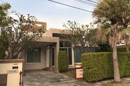 Cha-am Casa Seaside family home