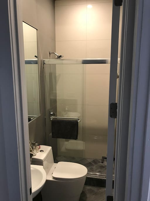 Private bathroom with room share