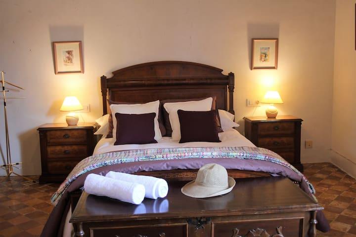 Sa Madona de sa Pleta B&B Violet Room. - Muro - Bed & Breakfast