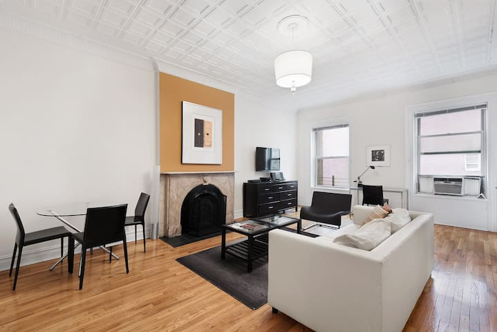 East 19th Street, Charming 1Bd Serviced Apt
