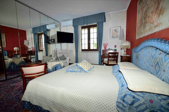 CAMERA TULIPANO - Moniga del Garda - Bed & Breakfast