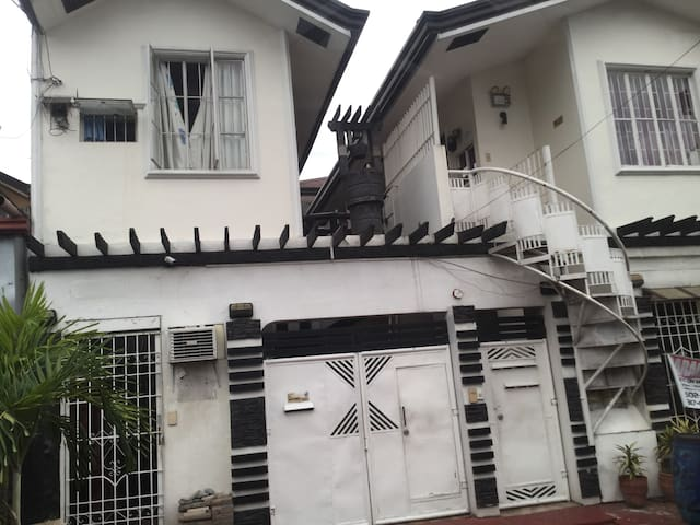 Quezon City Studio -B )Furnished unit~(1st floor )