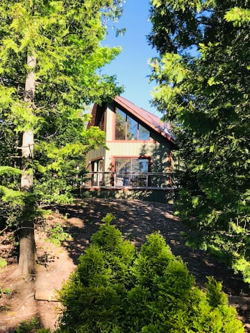 3 Sparrows Cottage- A Hikers Paradise