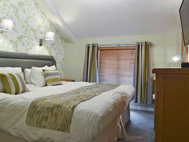 Apartment 1-UK12359 (UK12359)