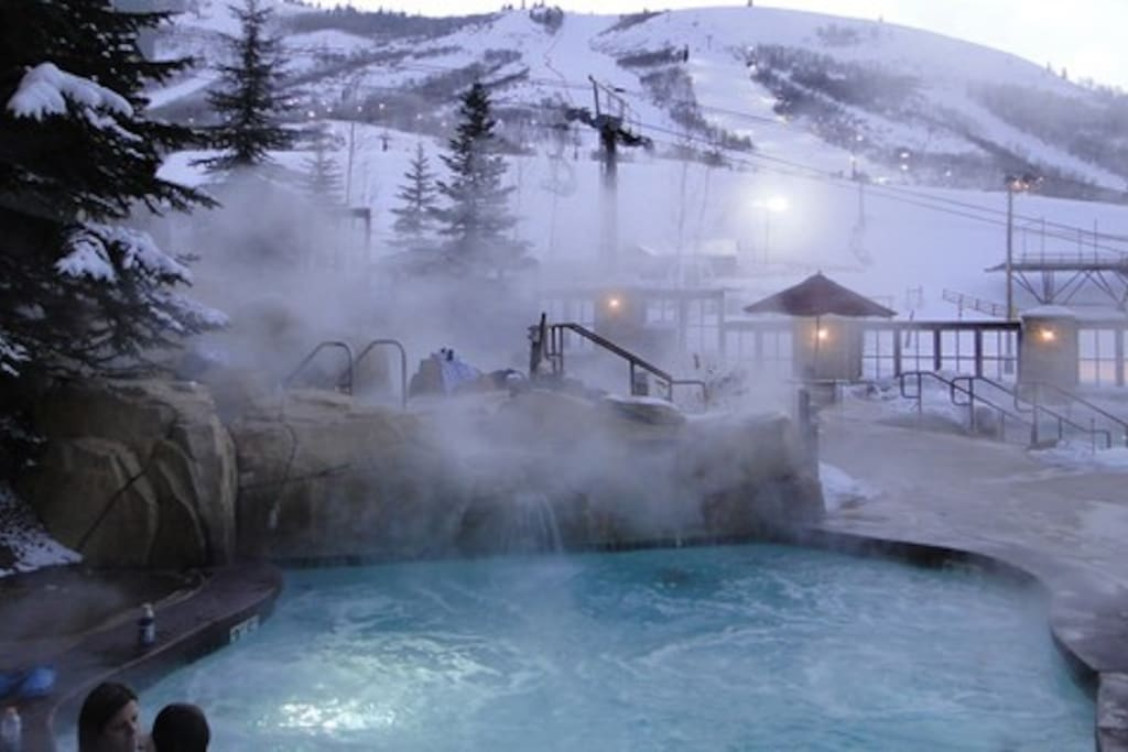 One of the 7 jacuzzis for apres-ski