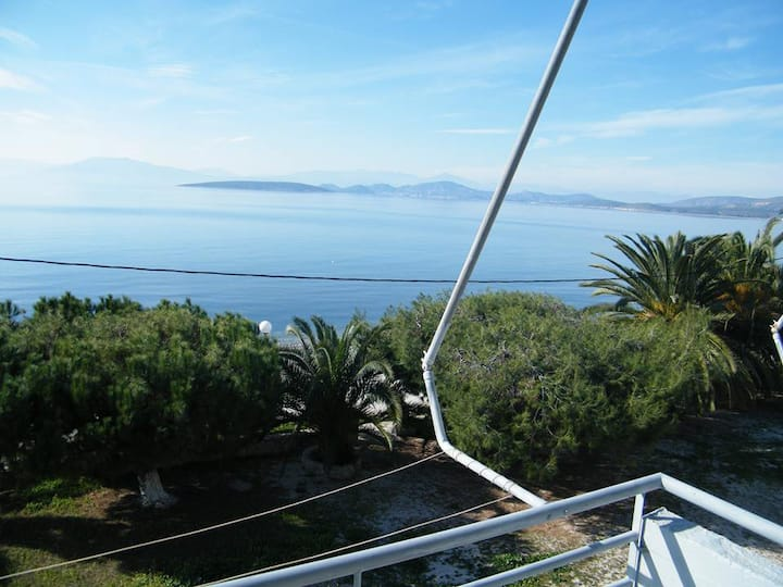 Finikas Apartment for 2 Adults with Sea View