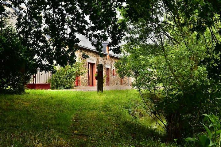 Gîte pour tous dans Mon Savoureux Jardin - Challain-la-Potherie - Casa