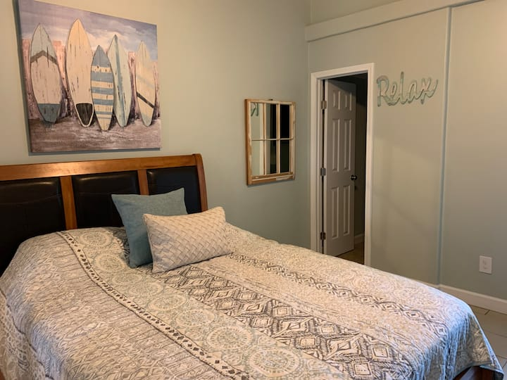 HANGOUT BEACHVIEW STUDIO 322 Sleeps 4