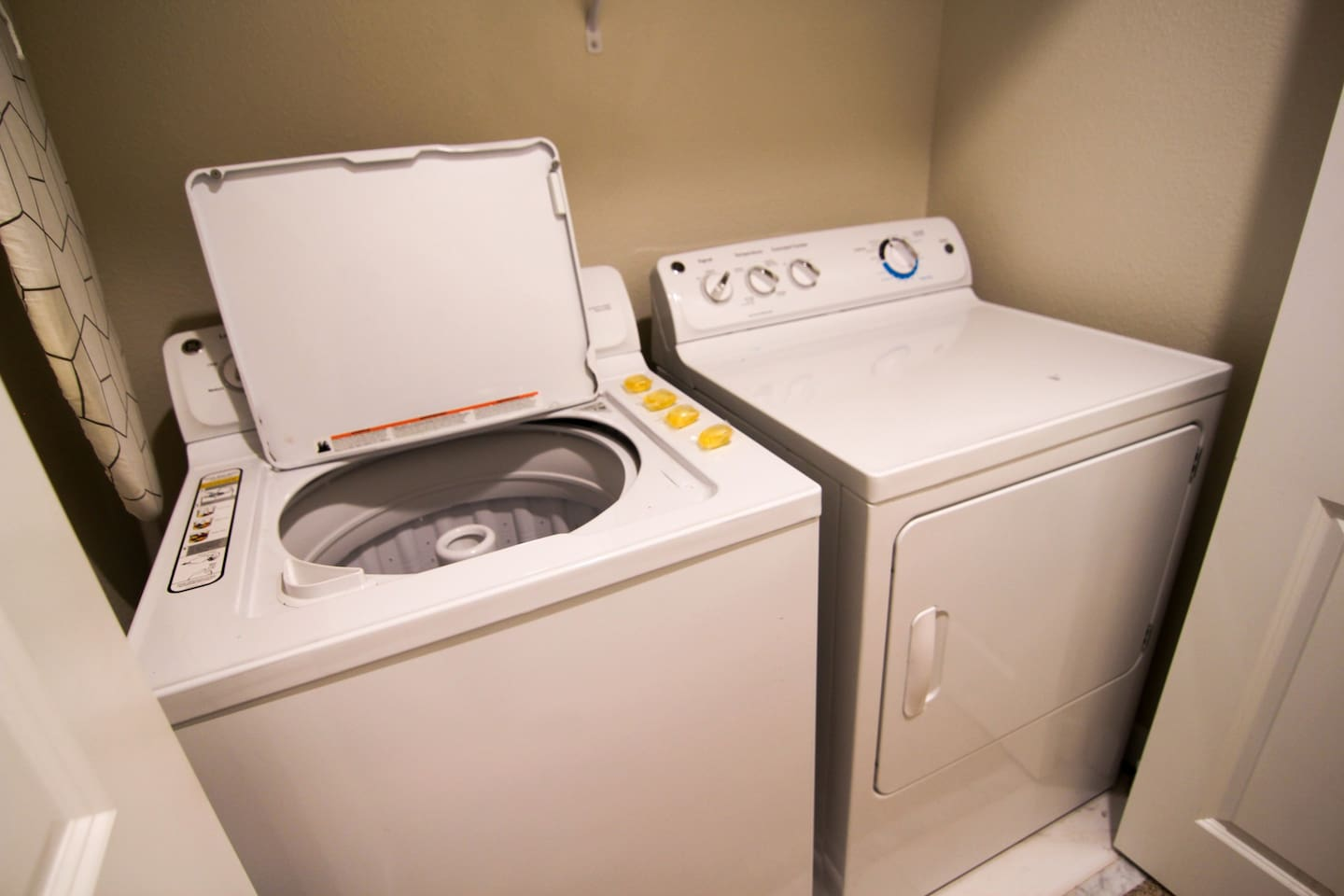 Washer/Drier in the suite.