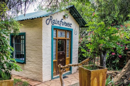 Rain Forest Boutique Camp - Krugersdorp - ゲストハウス