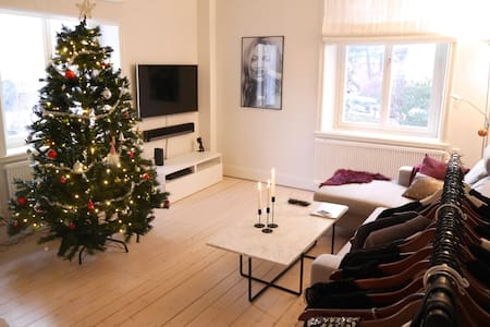 Light and charming apt. near Stockholm City - Lidingö - Pis