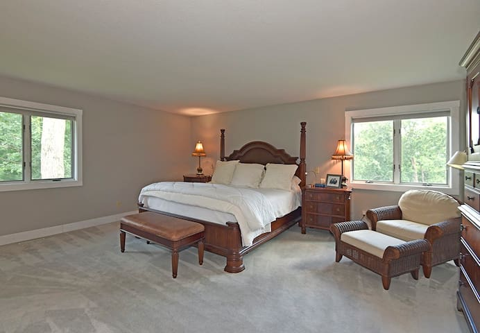 Huge Master Bedroom on 2nd floor with King Size Bed