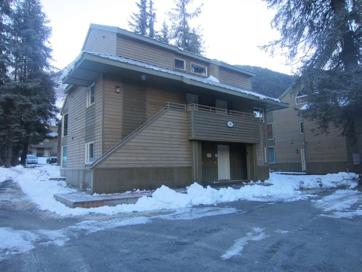 Adorable, Affordable and Accessible condo rental