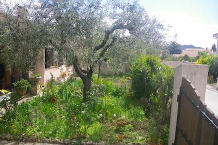 Location dans villa provençale - La Crau