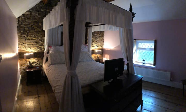 Cosy Romantic Cottage in Gwespyr, North Wales