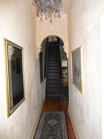 Cecil Lane Stay - friendly relaxed - Fitzroy - Bed & Breakfast