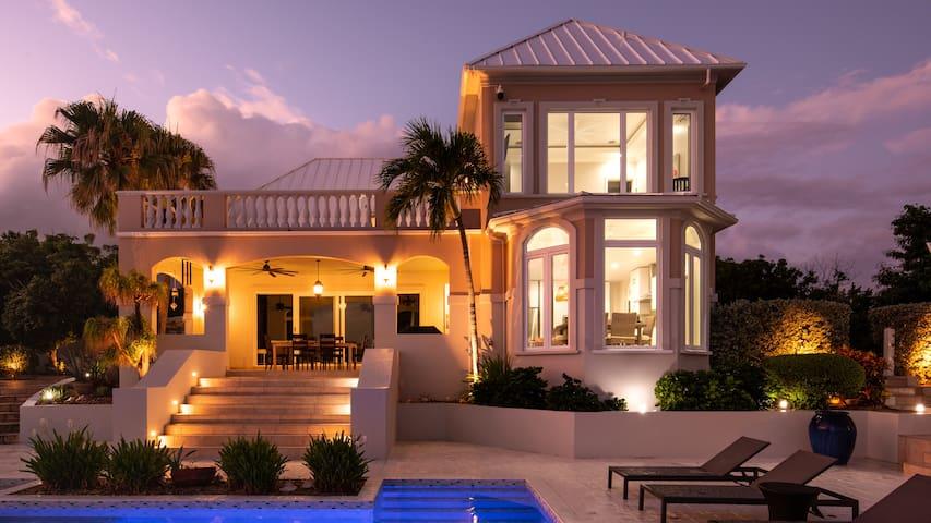 Three Cays Villa