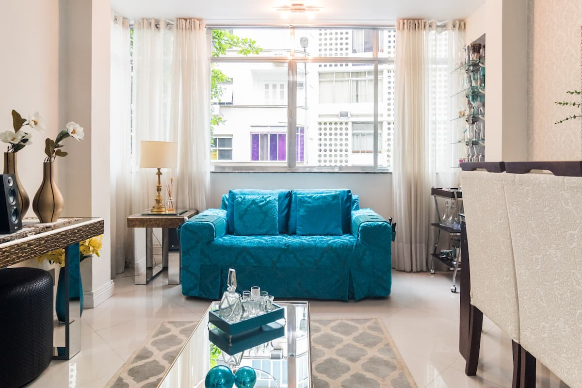 Charming Apartment Steps from Copacabana Beach