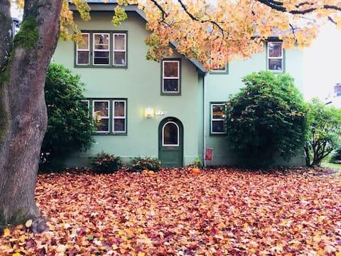 Eine charmante Wohnung im Herzen von Longview!
