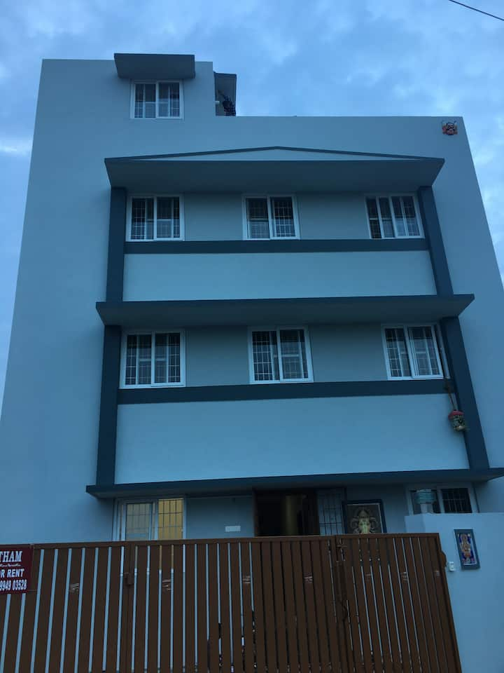 Shantham Service Apartments (Air Conditioned)
