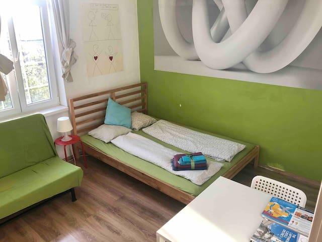 Sunny studio flat at the Citypark,near Keleti!