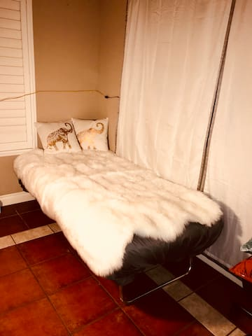 Day bed sleeper cot .