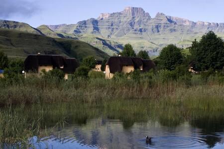 20 Mount Champagne, Drakensberg